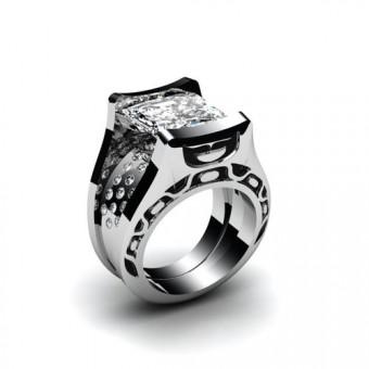 Оригинальное кольцо из комбинированного золота с крупным центральным камнем квадратной огранки Модель К-1005