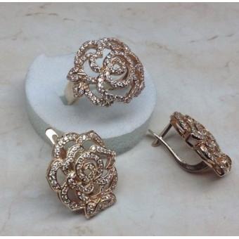 Гарнитур в виде цветов с бриллиантам и рубинамии
