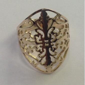 Кольцо из золота с фигурными прорезями