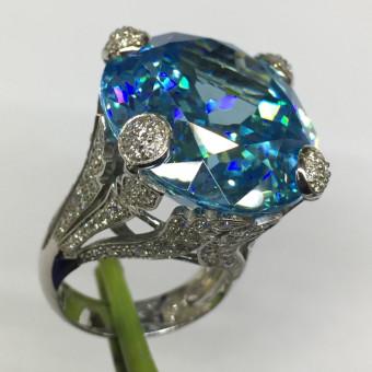 Кольцо Dior с большим камнем аквамарином